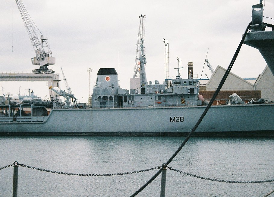 Hunt class mine hunter HMS Atherstone M38, Portsmouth 2010.