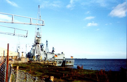 FGS Lubeck and unidentified transport. 25.10.98